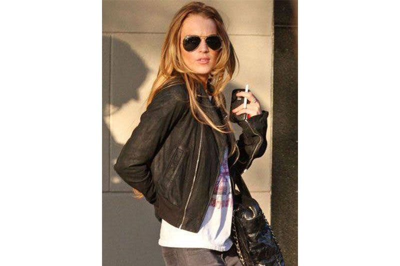 Lindsay-Lohan-vaping
