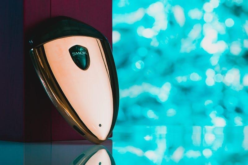 SMOK Rolo Badge Review: An Upside-Down Suorin Drop? - Vaping360