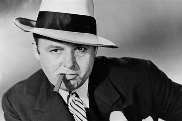 chicago-flavor-ban-al-capone-vaping-on-juul