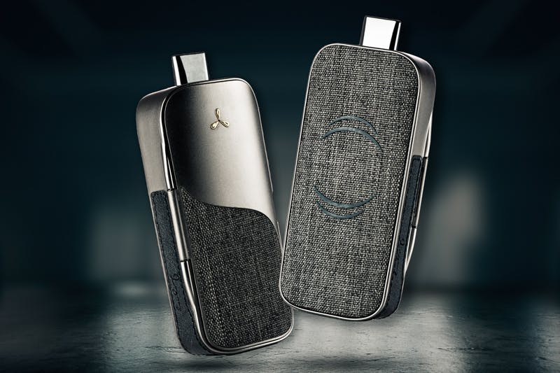 Airvape Legacy Review: On Demand Heating & Clean Vapor Path